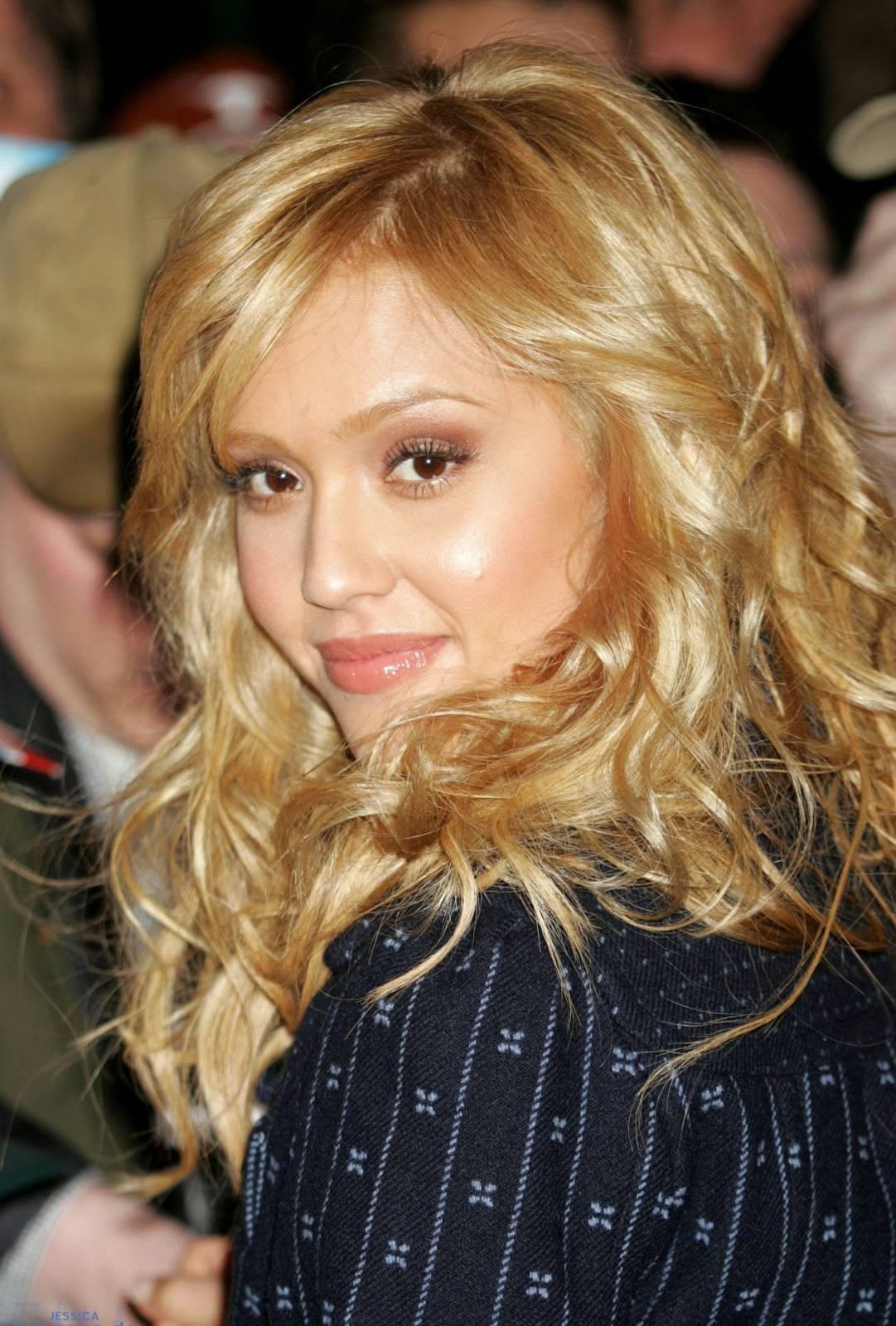 Фото смуглая блондинка 13 фотография